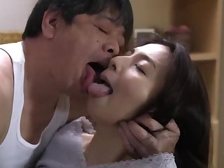 Cheating Japanese wife lovemaking video