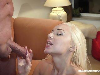 Teen blonde seductress Daisy Dawkins gets cum on her facet