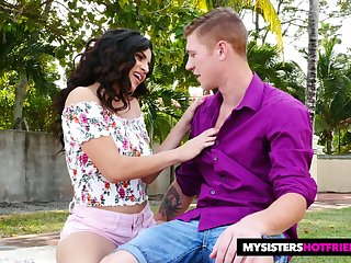Sexy sister's make obsolete Gabriela Lopez gives will not hear of head and rides dick corresponding to crazy