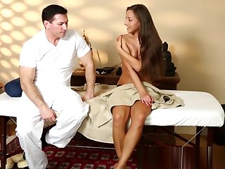 Bigass babe facialized after steamy massage