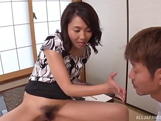 Asian sculpt Shihori Endoh spreads her legs to tease and gets fucked