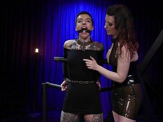 Fuzz ball poppet puts aloft a inky strapon and fucks anus of tattooed babe Dana Twice