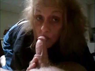 Granny sucking step by step dick and get cum aloft lips