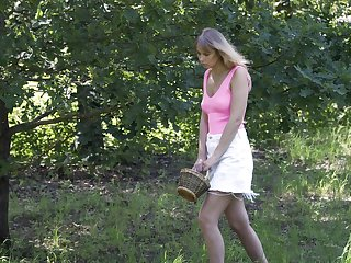 Alluring svelte Seraphina goes lesbian and enjoys licking wet pussy 69