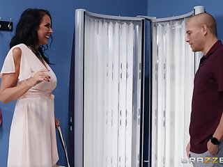 Premium mature is in for a tasty surprise for her wet cunt