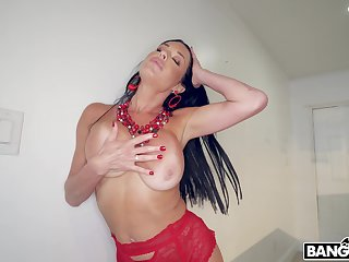 Interracial MMF threesome with double penetration for Veronica Avluv